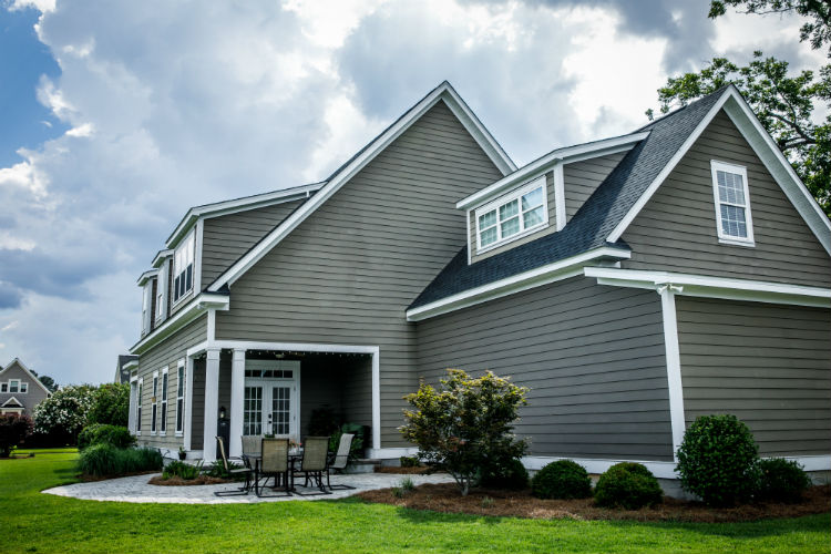 Which Is Better James Har Siding Or Vinyl Iron River